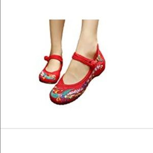 Shoes - BNWT Chinese embroidered flats